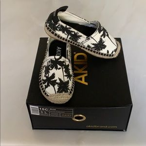 Other - BRAND NEW! AKid brand palm tree espadrille